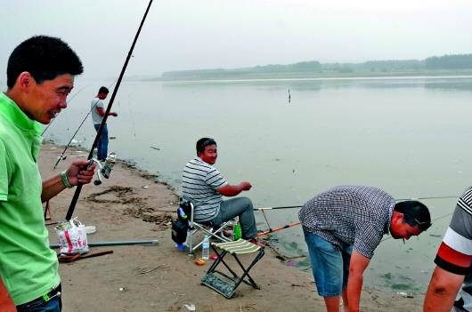 毛俊村河边风景