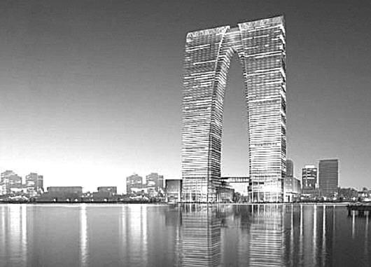从广州古钱币大楼到央视大裤衩,再到苏州大秋裤,在越来越追求设计感和国际化的今天,似乎从来不缺少奇奇怪怪的建筑。   丑,是不少国人对这些奇葩建筑最简单也最粗暴的评价,然而,不谈审美,从风水上来说,这些建筑大多也是不合格的。   先别急着说风水就是迷信,中国古代建筑理论三大支柱,除了追求外在美的营造学,注重人居环境的造园学,建筑风水学也是其中一项,其核心是天人合一的文化内涵。   清华大学建筑学院教授王贵祥认为,建筑风水蕴含某种玄妙的成分,但如果将这一成分的意义和作用无谓地夸